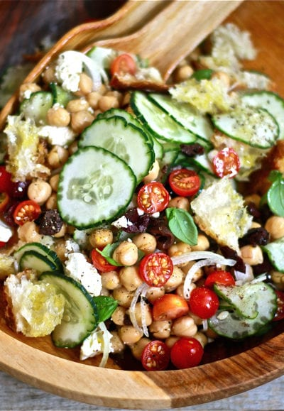Chickpea Panzanella Salad - theclevercarrot.com