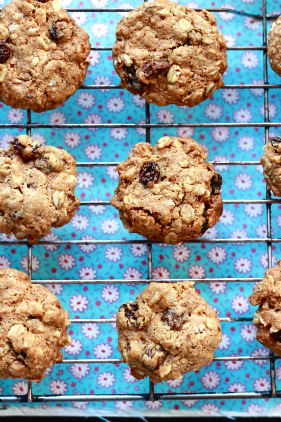 gwyneth paltrow's oatmeal raisin cookies | The Clever Carrot
