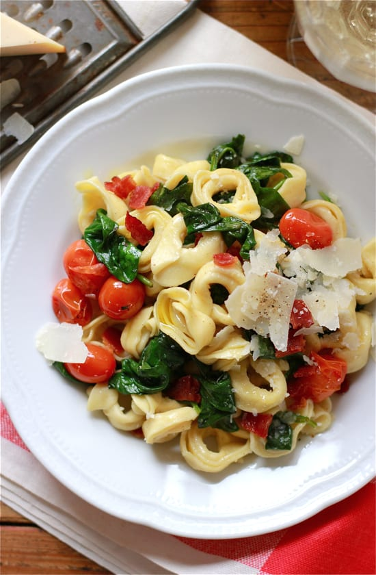 tortellini with spinach and tomatoes | The Clever Carrot
