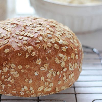 No-Knead Honey Whole Wheat Bread - theclevercarrot.com
