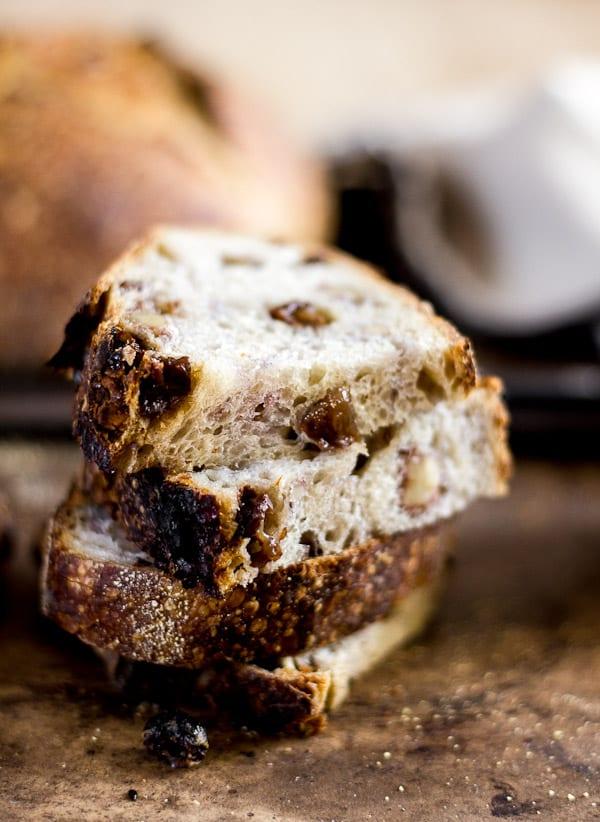 The most delicious country sourdough with walnuts + raisins | theclevercarrot.com #sourdough #sourdoughbread #raisinbread #noyeast #sourdoughstarter #breadbaking