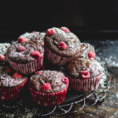 chocolate chunk raspberry spelt muffins | The Clever Carrot