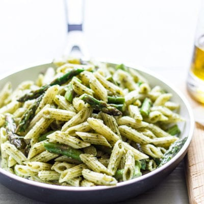 mini penne with spicy pesto and asparagus