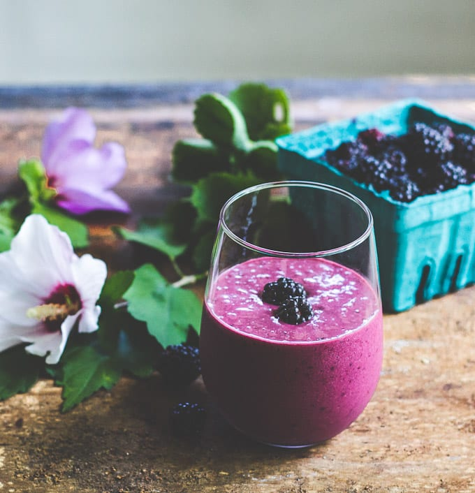 blackberry ginger smoothie | theclevercarrot.com