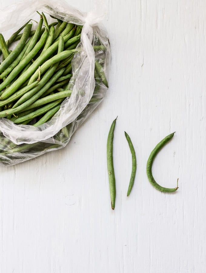 how to french-cut green beans like a pro | theclevercarrot.com