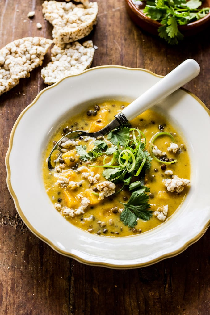 thai pumpkin soup with tangled scallions + crispy rice cake croutons | theclevercarrot.com