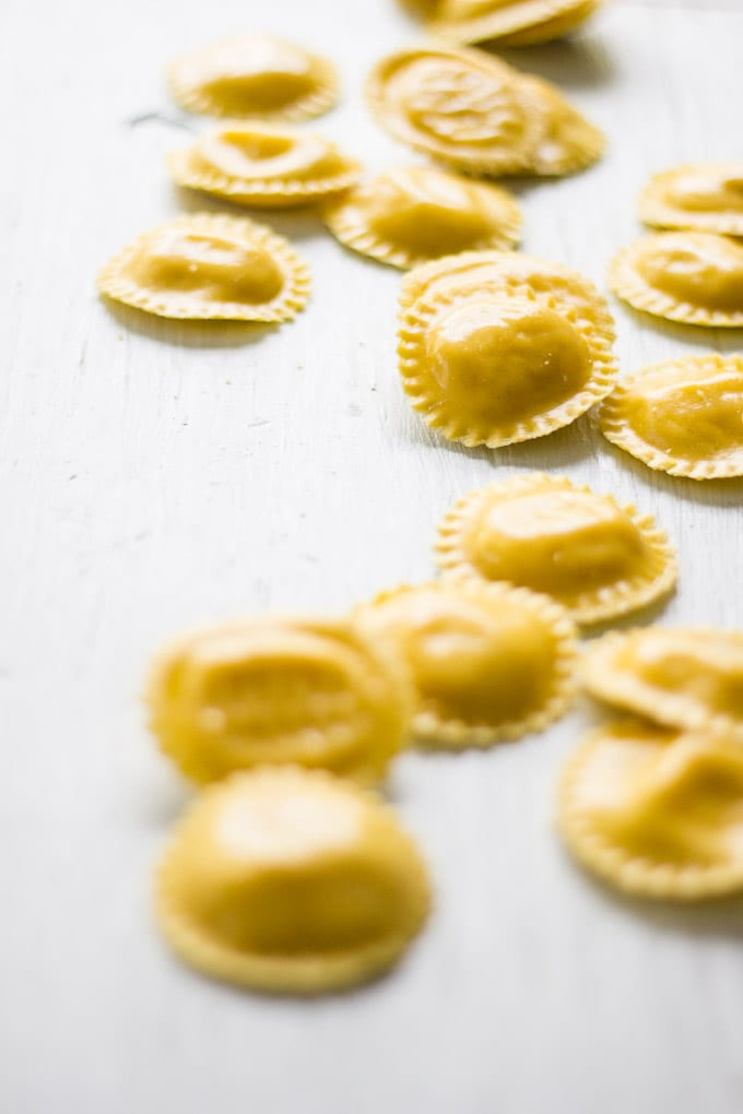 15 minute meals: lemon ricotta ravioli with wilted greens | theclevercarrot.com