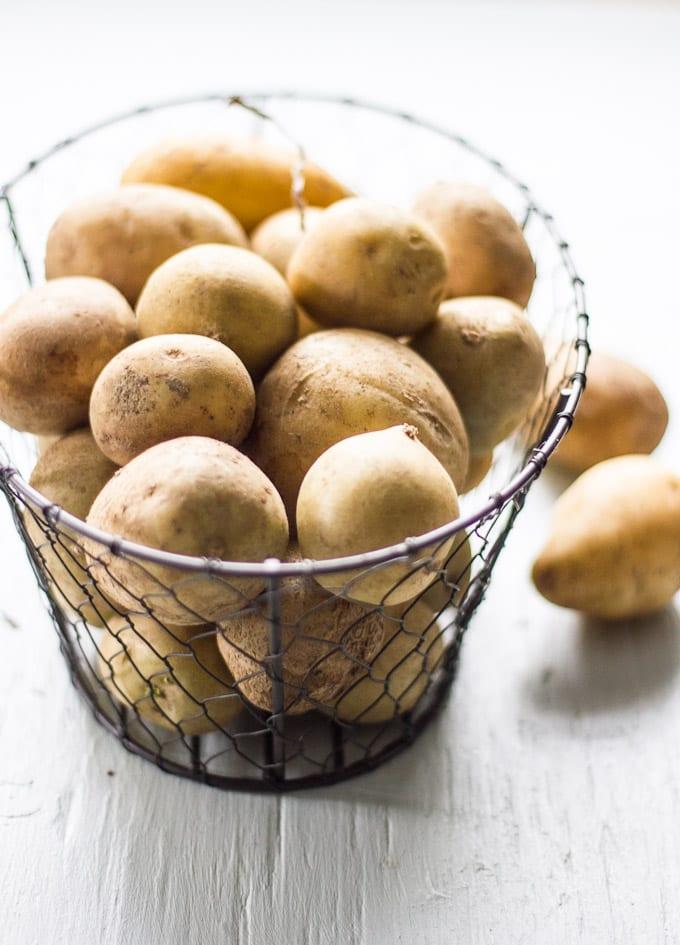 creamy potato leek soup | theclevercarrot.com