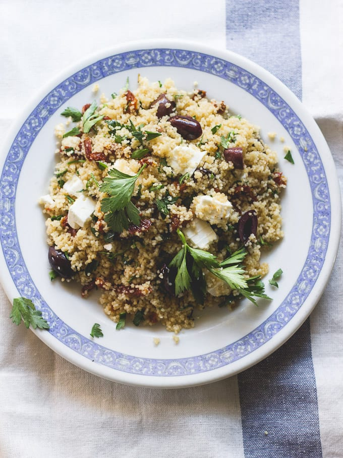 15-minute meals: baked dover sole with whole grain mediterranean couscous | theclevercarrot.com