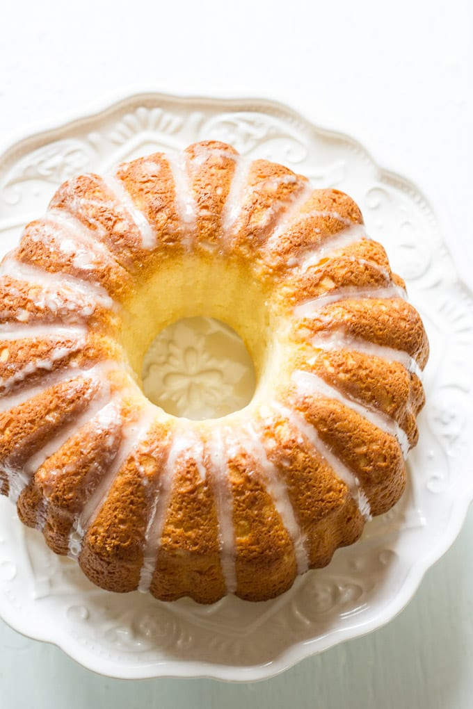french cruller bundt cake + a $200 giveaway! | theclevercarrot.com