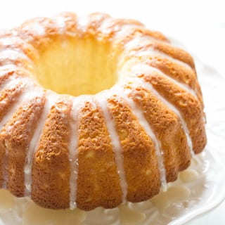 french cruller bundt cake | theclevercarrot.com