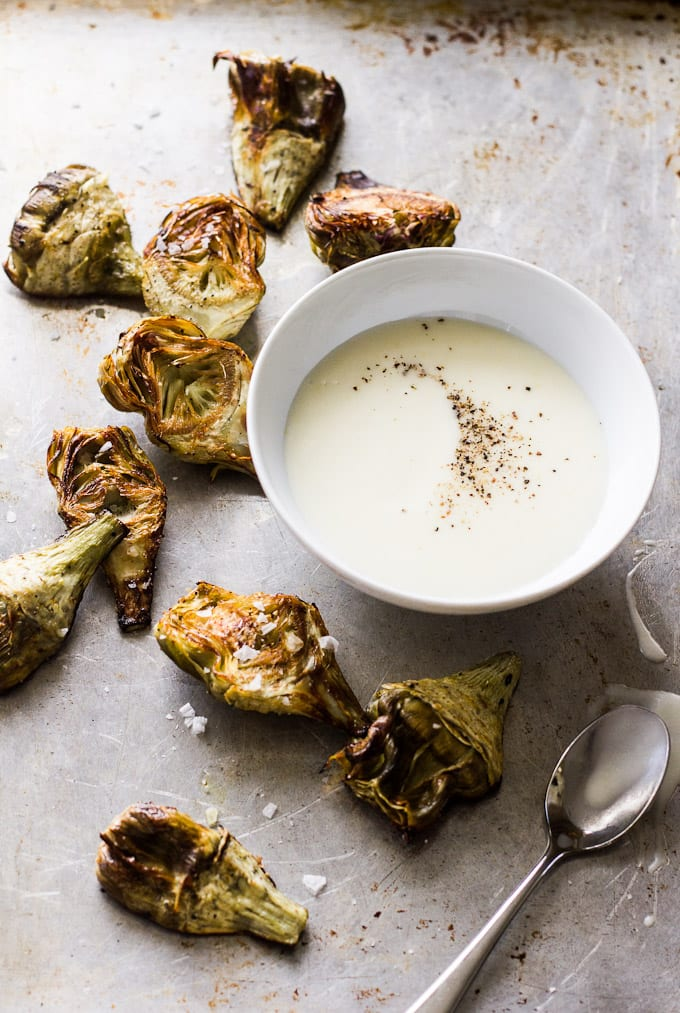 roasted baby artichokes with black pepper-lemon vinaigrette for dunking | theclevercarrot.com