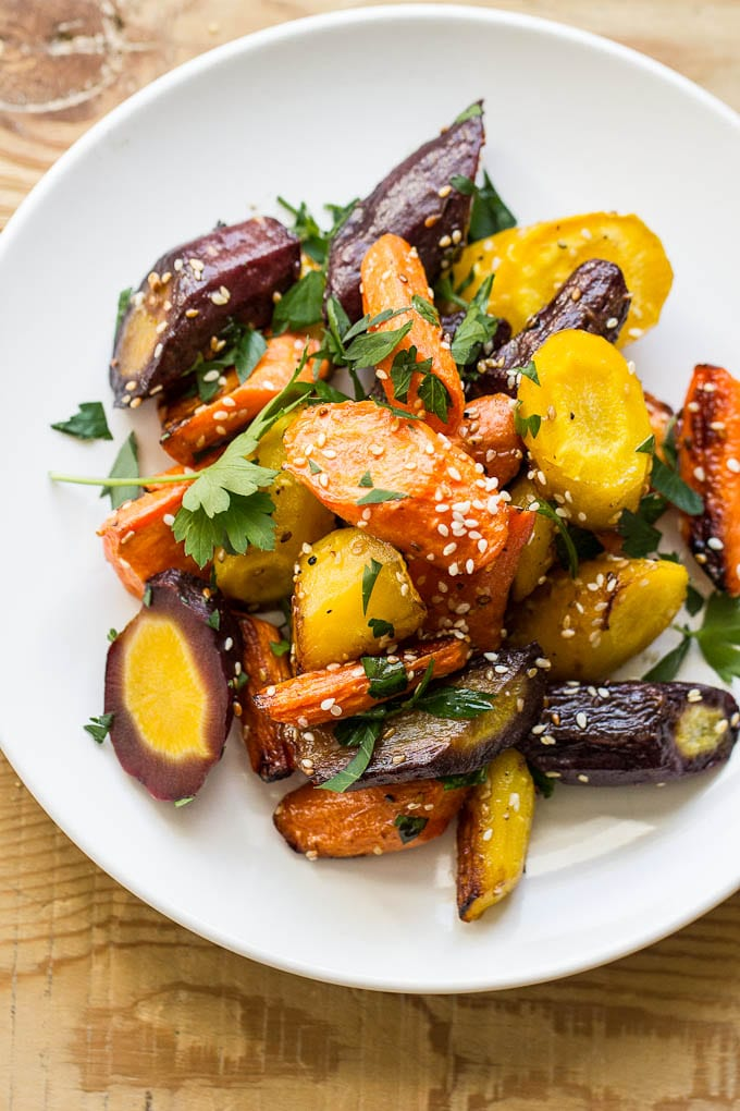 sesame roasted carrots | theclevercarrot.com
