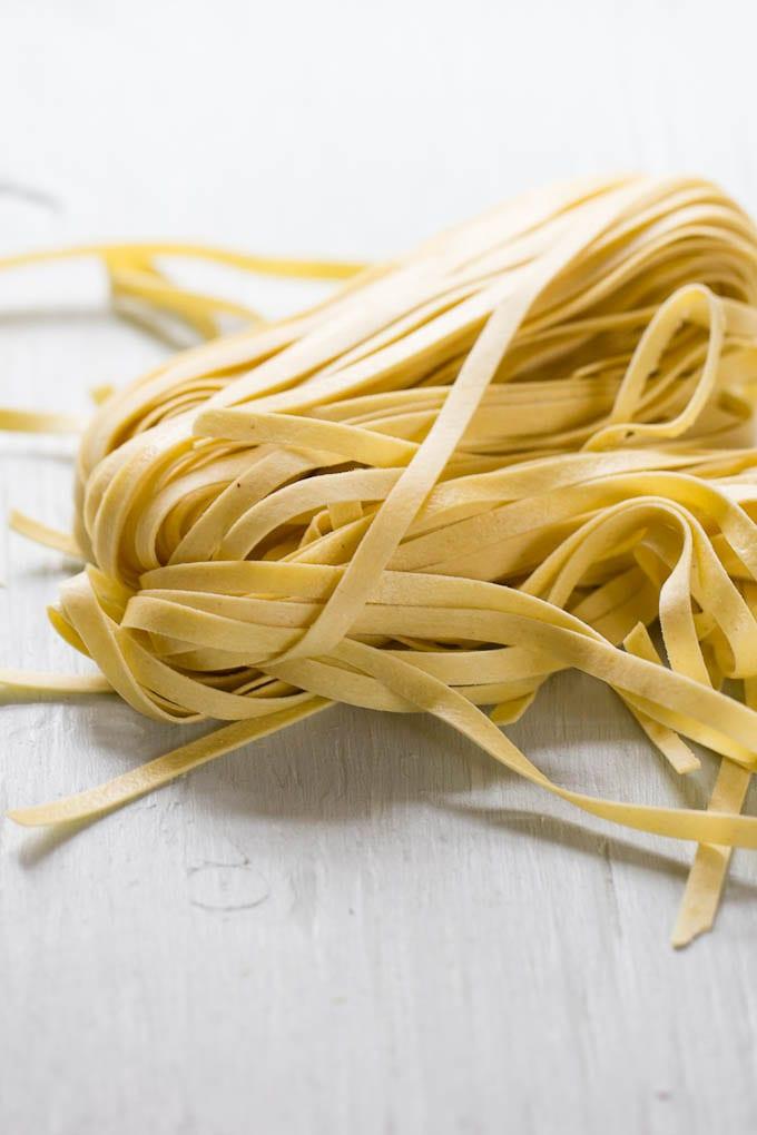fresh fettuccine pasta | theclevercarrot.com