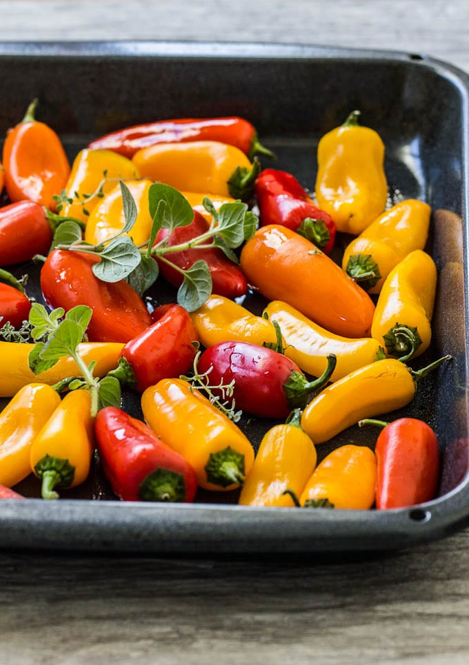 mini sweet peppers for italian sausage bake | theclevercarrot.com