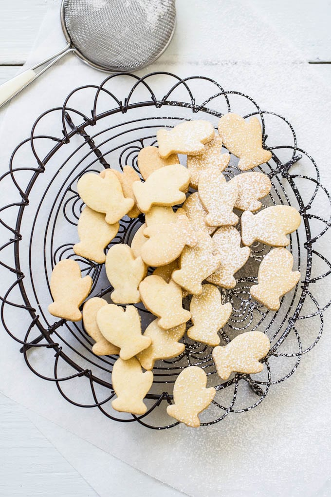 winter shortbread | theclevercarrot.com