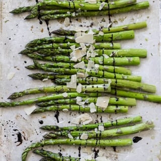 roasted garlics asparagus