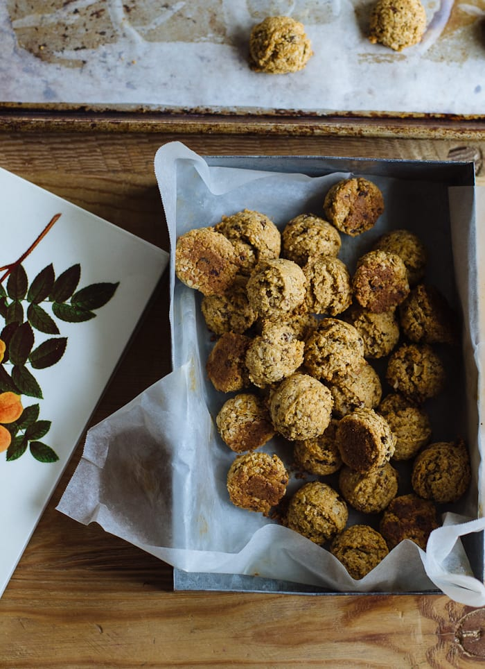 busy morning breakfast cookies | theclevercarrot.com