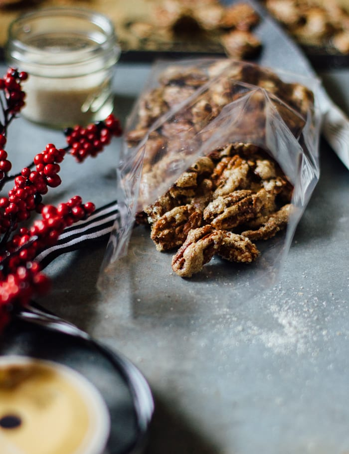 make-ahead gifts: brûléed pecans | theclevercarrot.com