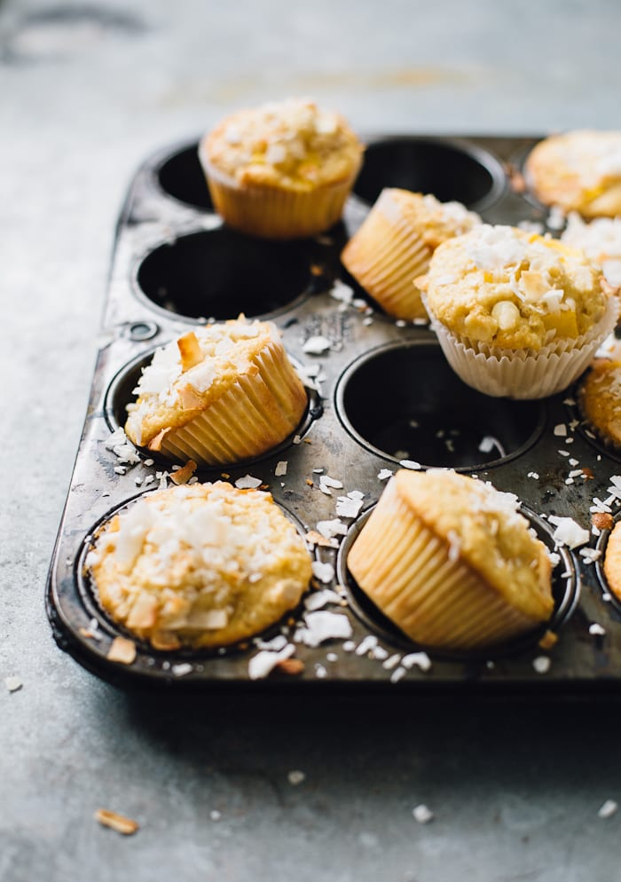 coconut mango muffins | theclevercarrot.com