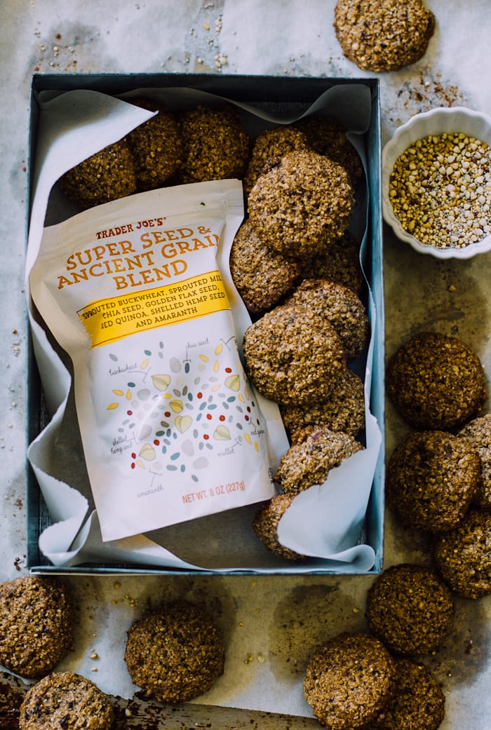 fast healthy nut & seed breakfast cookies   theclevercarrot.com