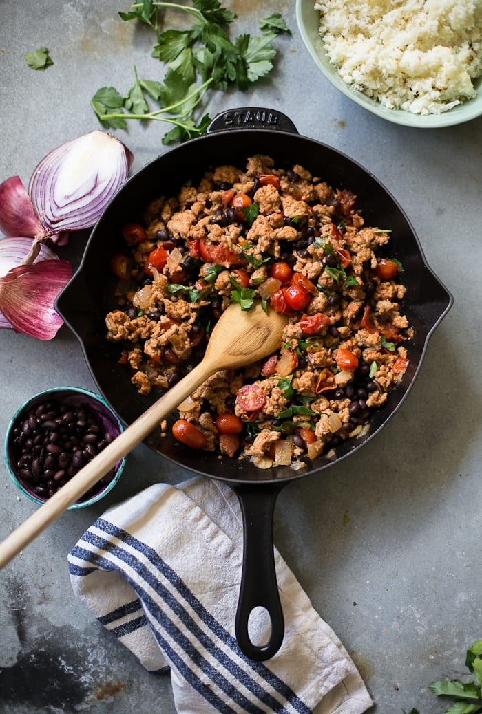 20 minute mexican skillet chicken | theclevercarrot.com