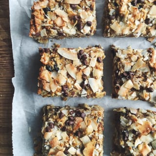 dreamy coconut tahini bars | theclevercarrot.com