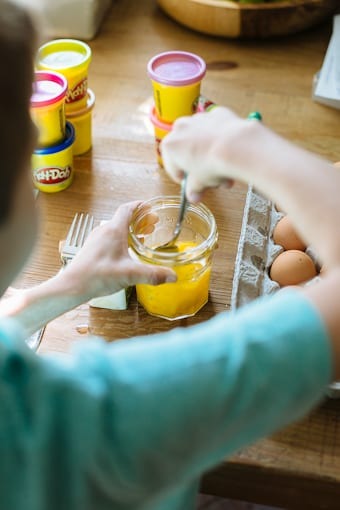 mixing eggs | theclevercarrot.com