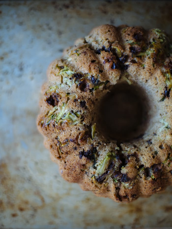 chocolate chip zucchini cake | theclevercarrot.com