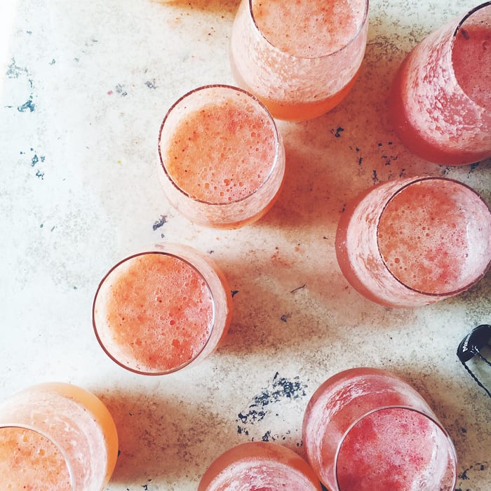 Strawberry French 75 Cocktails | theclevercarrot.com