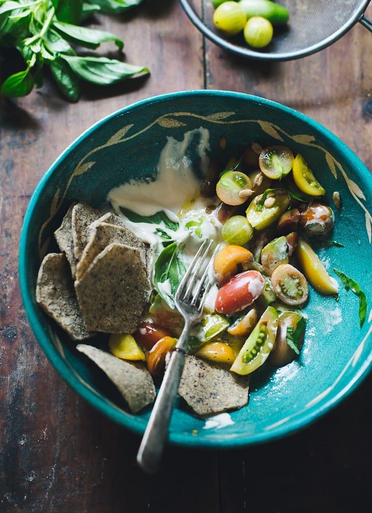 A Bohemian Tomato Salad | theclevercarrot.com