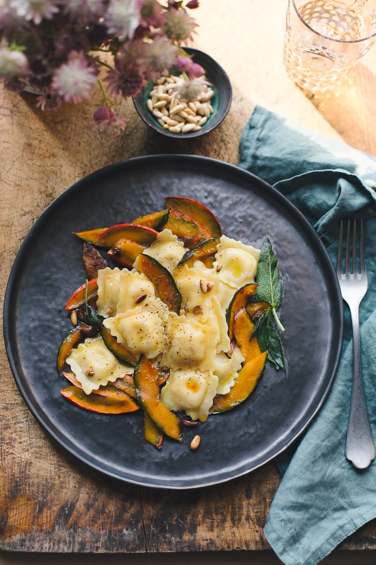 Giovanni Rana Fresh Cheese Ravioli with Delicata Squash | theclevercarrot.com