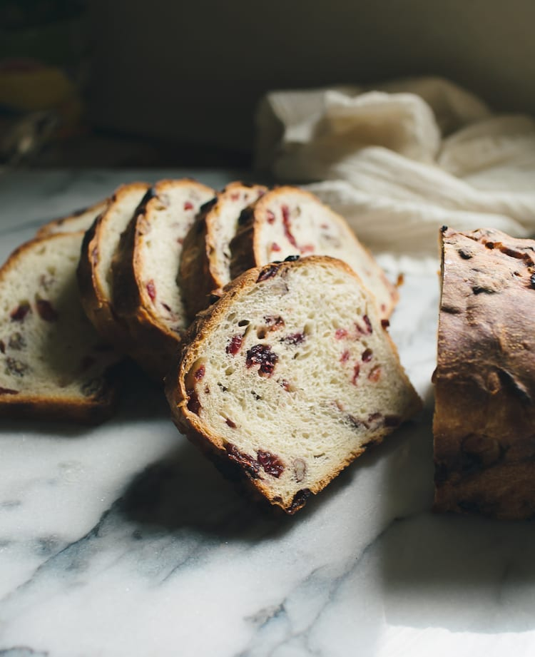 Overnight Cranberry Pecan Sourdough Slices | theclevercarrot.com