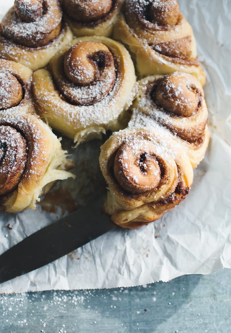 How to Make Sourdough Cinnamon Rolls {a step-by-step guide} | theclevercarrot.com