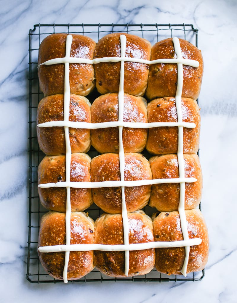 Sourdough Hot Cross Buns | theclevercarrot.com