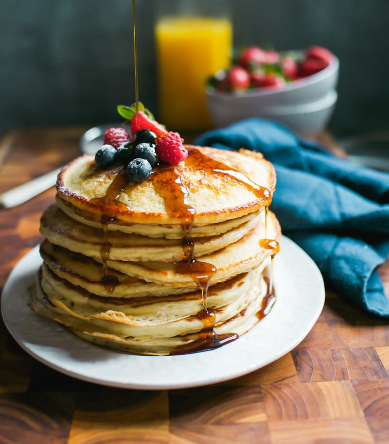Fluffy Sourdough Pancakes with Maple Syrup | theclevercarrot.com